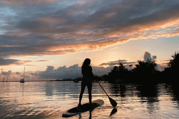Stand up paddleboarding in Hilo Bay